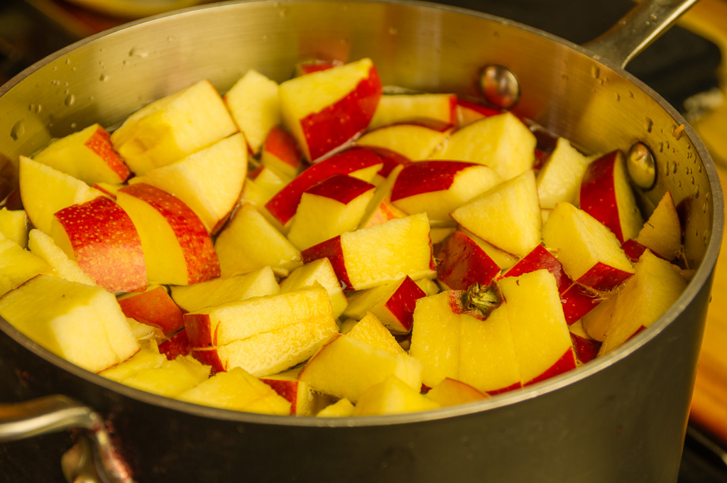 Cut apples in pot