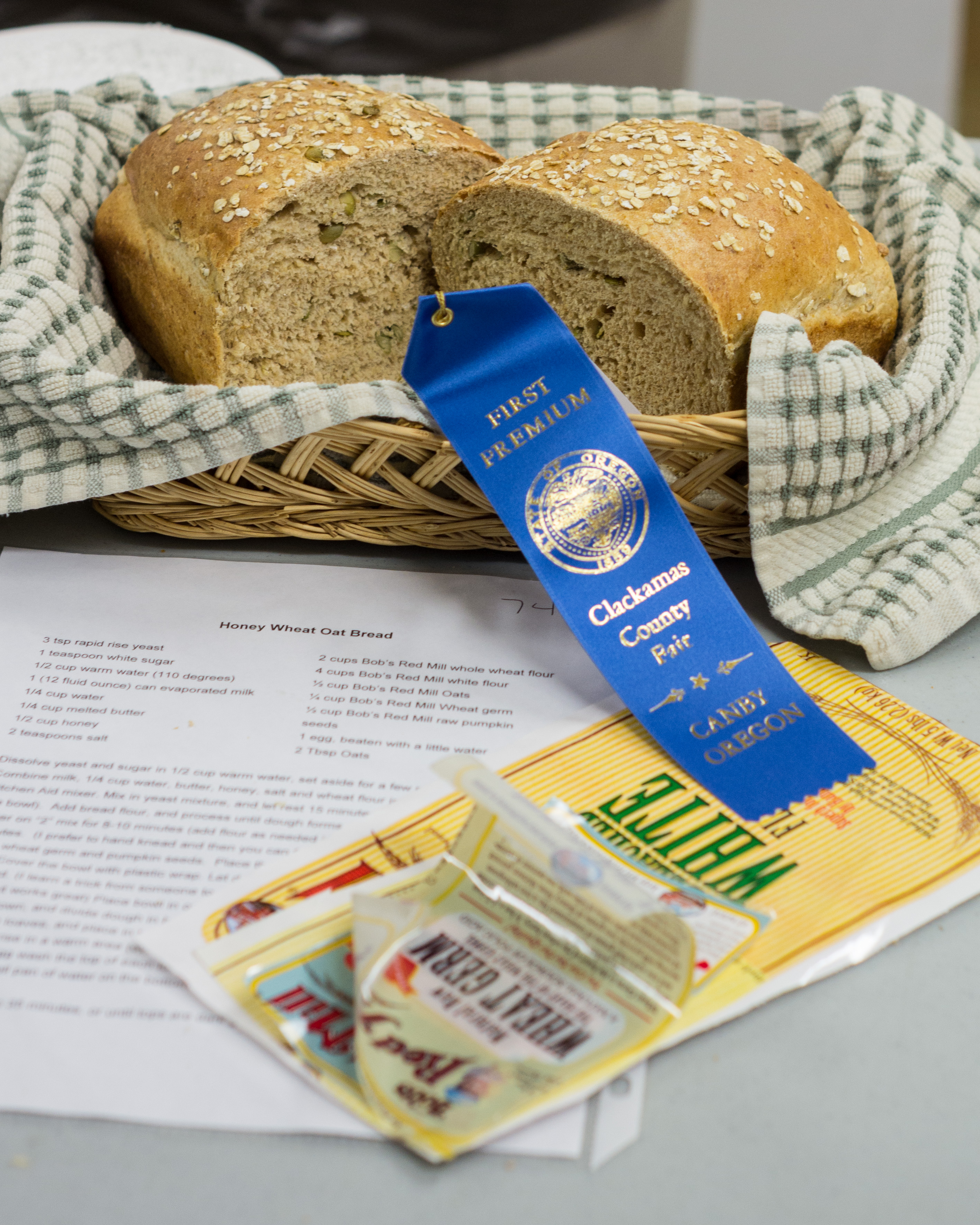 Blue Ribbon Honey Wheat Oat Bread