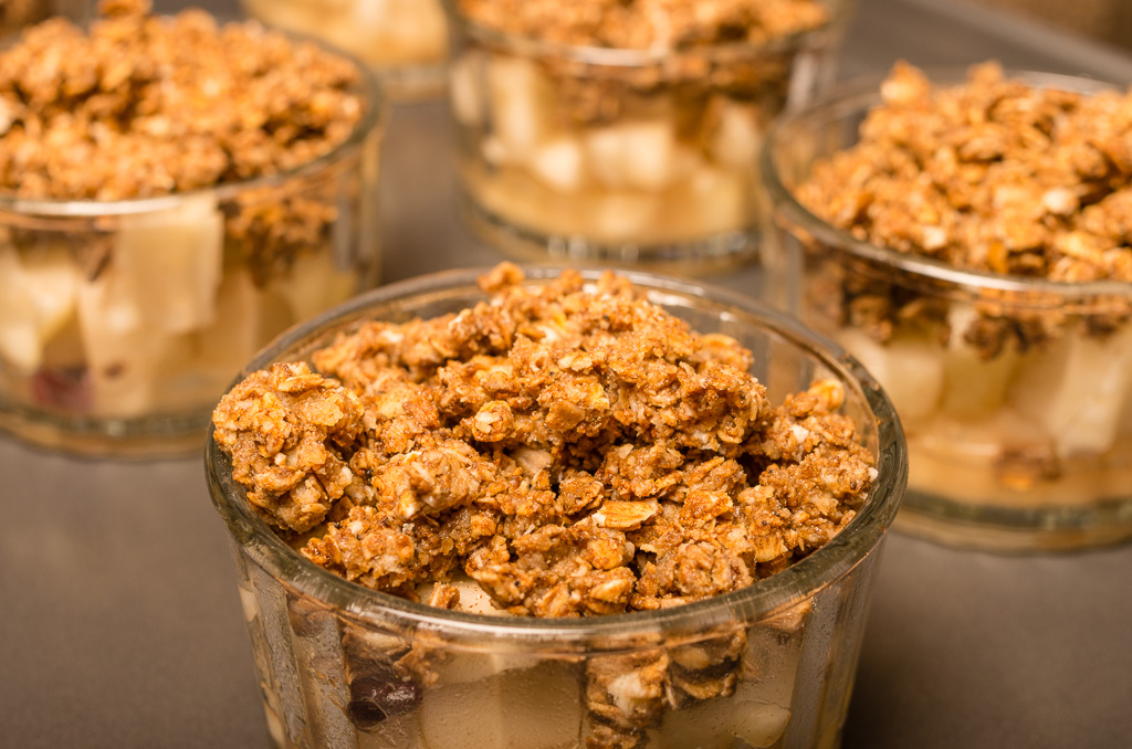 Fresh Pear & Gingerbread Crisp