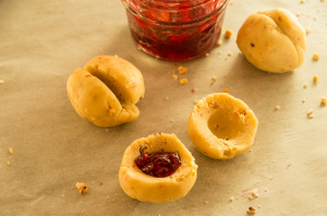 Jam filled Hazelnut Cookies