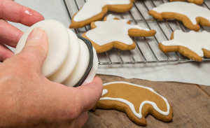 Icing Gingerbread Cookies