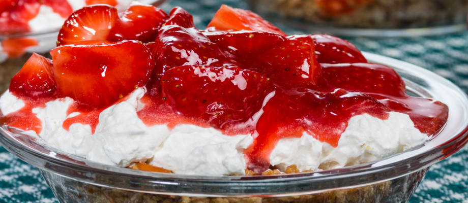 The Hoods are here… Mini Strawberry Pretzel Pie