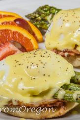 Fresh Asparagus with Eggs Benedict